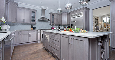 <p>Fabuwood believes that your kitchen cabinets should help develop a sanctuary that offers a perfect balance of functionality and ambiance. With a range of styles, materials and finishes available, they offer a multitude of options for all your kitchen projects.</p>